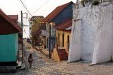 Узкая улочка Флореса