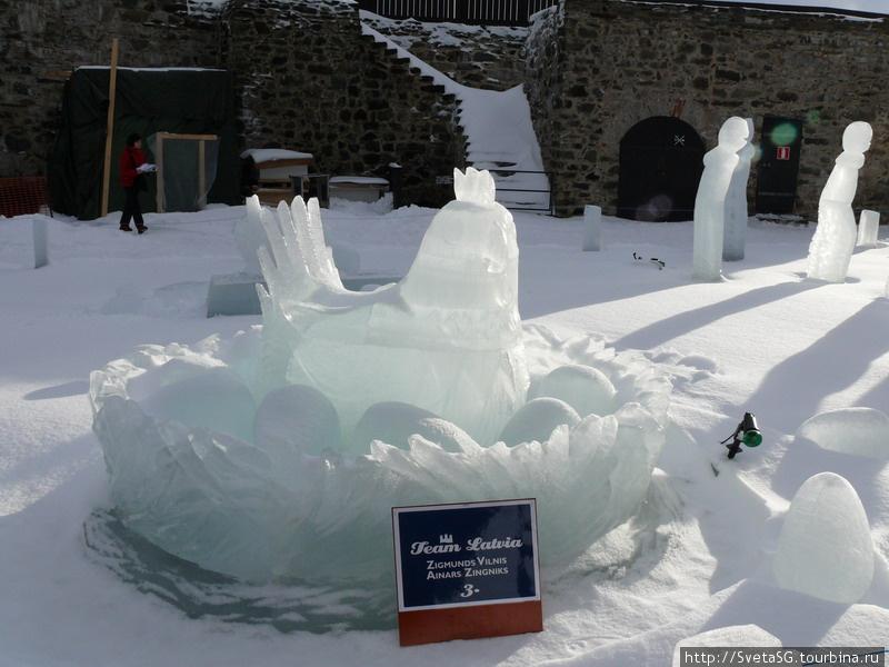 Выставка ледовых скульптур в крепости Савонлинны.