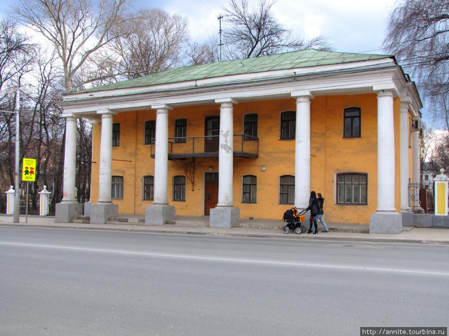 Дом № 31 (вид с ул. Ленина). В этом здании сейчас расположен центр сохранения объектов культурного наследия.