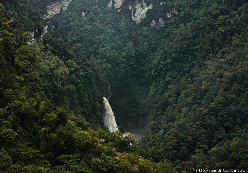 Водопад, благодаря которо