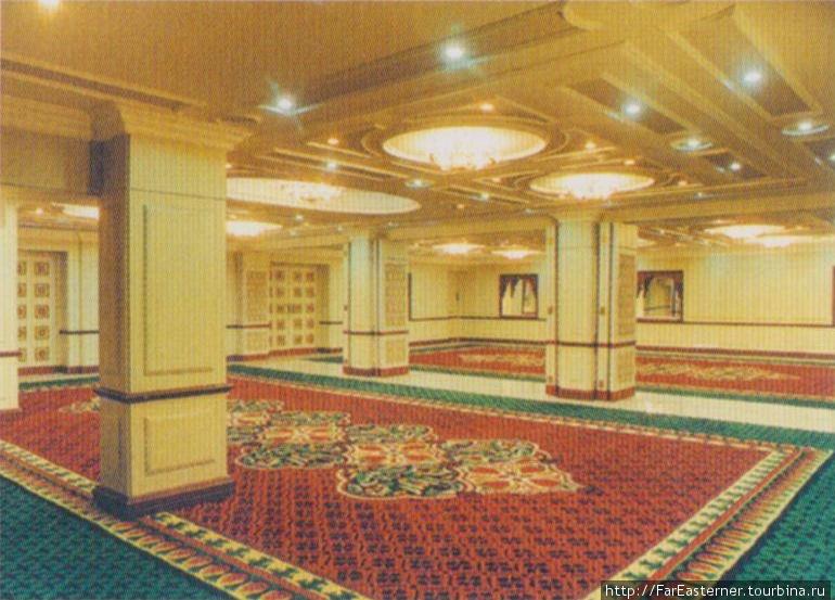 Лобби в отеле Адитья (фото из буклета)