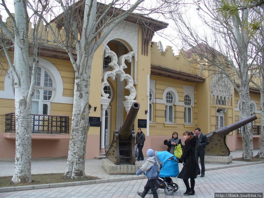 Бывший дом Ю. Гелеловича. Сегодня —  краеведческий музей
