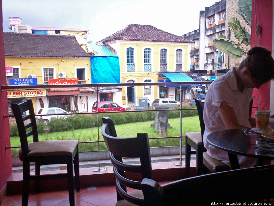 Вид из кафетерия Coffee D