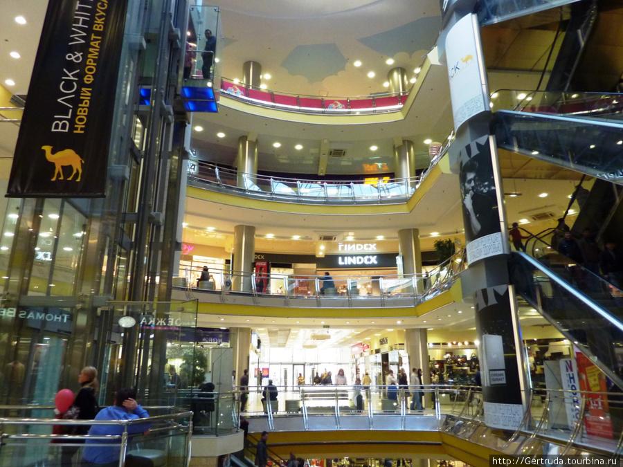 Семь этажей магазинов!