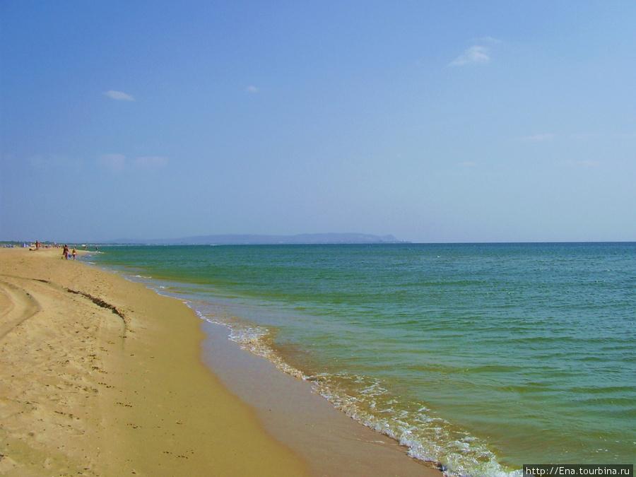 По бескрайним витязевским пляжам