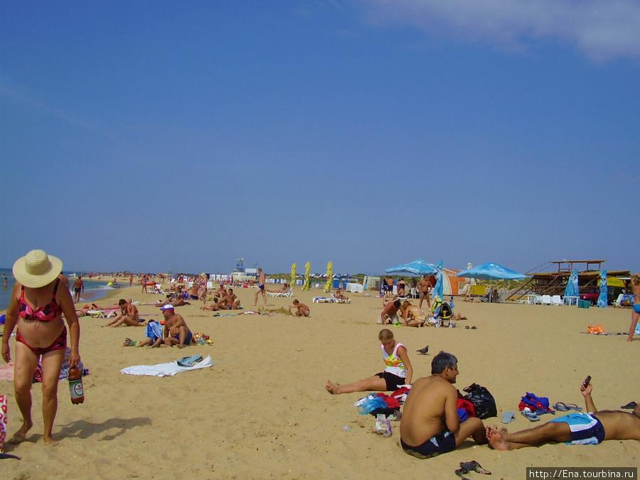 На пляже у Винзавода