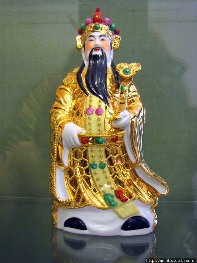 Китай. Бог счастья, успеха и карьеры Фу-син. Фарфор.