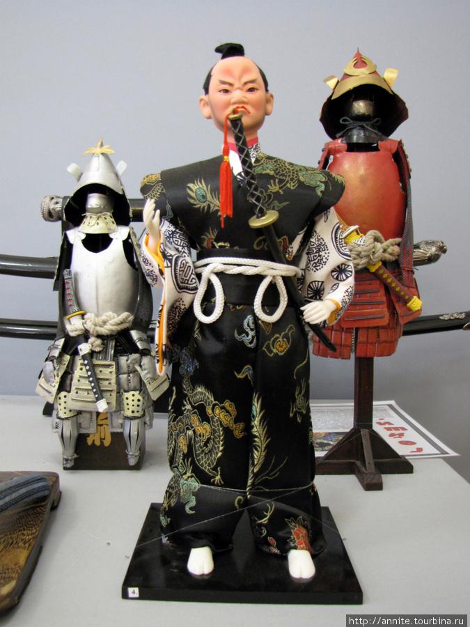 Япония. Куклы-самураи.