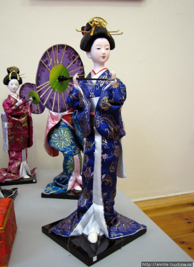 Япония. Куклы-гейши.