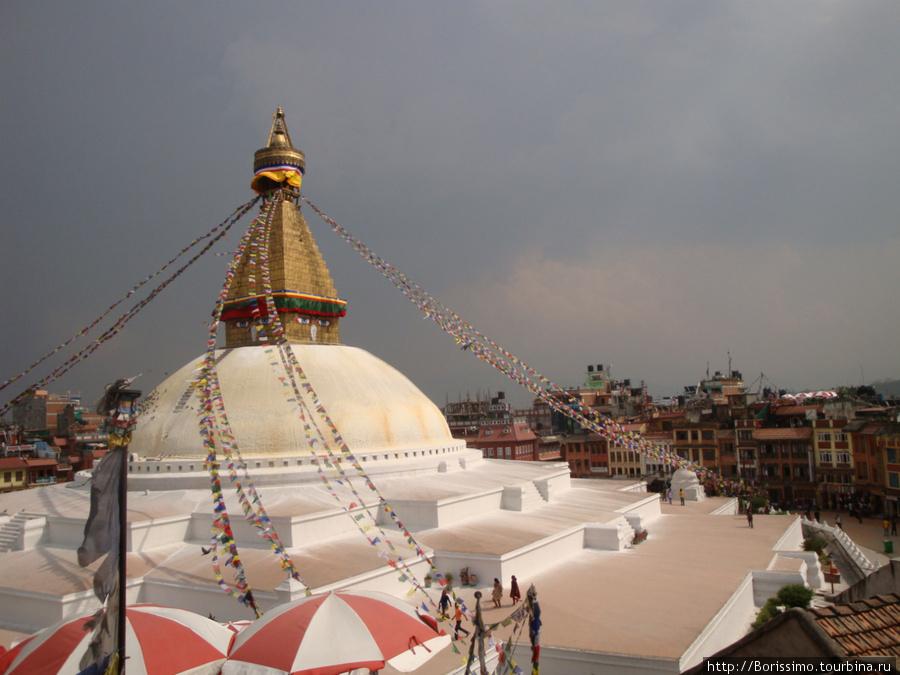 Буданатх — самая большая ступа в Непале.