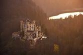 Замок Хоеншвангау в лучах заходящего солнца