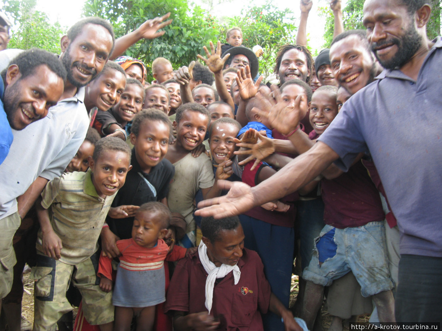 papua new guinea essay The trobrianders of papua new guinea had an efficient system of giving and receiving the brothers and sisters of the women, through martilineage, build the yam gardens the women then give the yams to her relatives as a sign of appreciation.