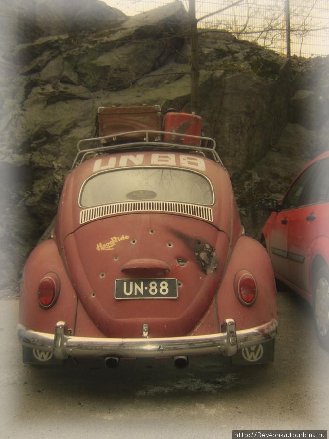 Интересные автомобили встречались повсюду. Но в маленьких закоулочках их было больше всего