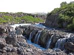 Это вид верховья водопада с правого берега реки