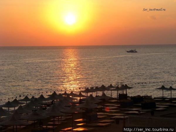 Восход солнца над пляжем Reef Beach