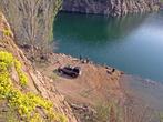 Говорят озеро в частной собственности, не проверял. Но пока мы лазили по склонам, к рыбакам подъехал