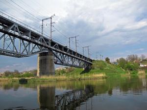 Железнодорожный и, одновременно, пешеходный мост.