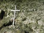 В этой пещере сокрыты черепа людей, погибших в межплеменных папуасских войнах.