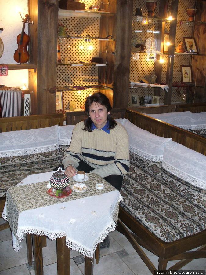 Ворота дровяного базара внутри
