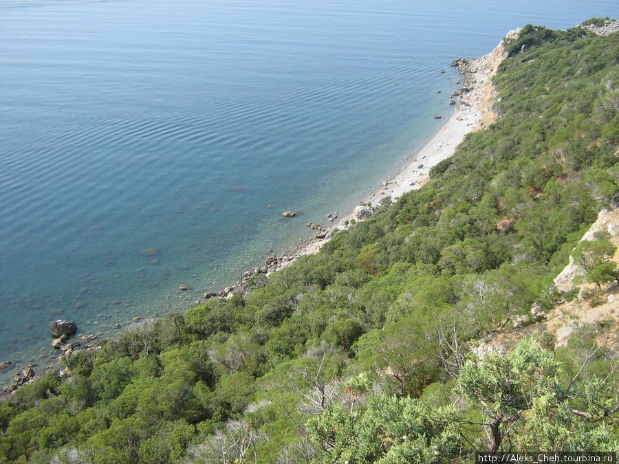 Так выглядит море с мыса Мартьян.