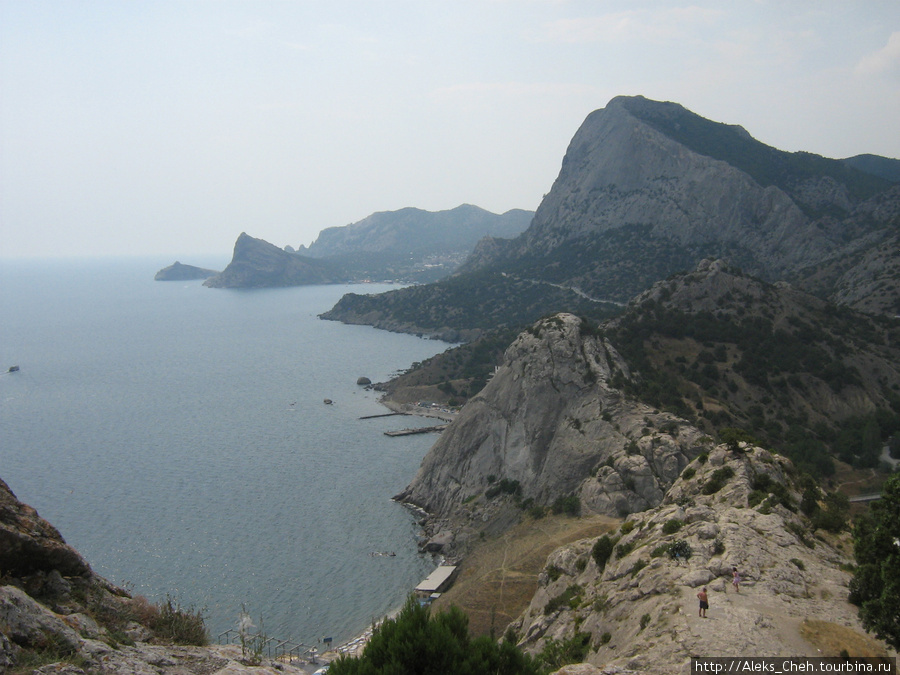 А это уже восточный Крым. Море у  Судака.