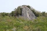 Пирамида Nohoch Mul среди зелёного моря джунглей
