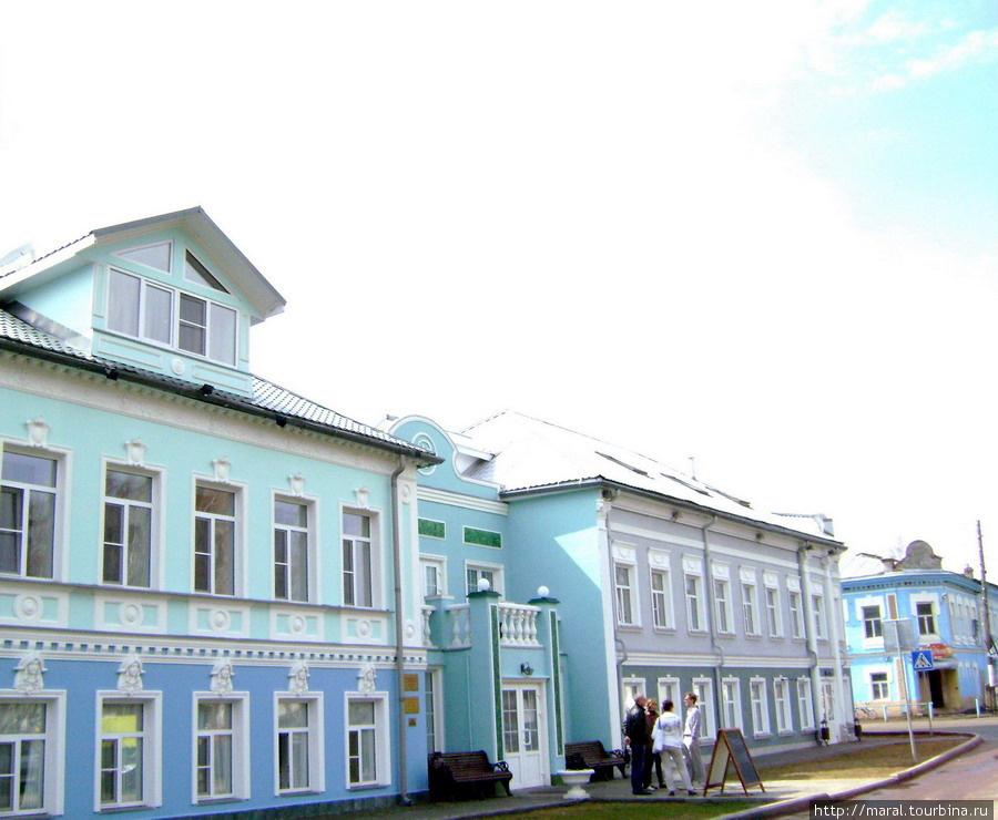 В состав гостиничного комплекса входит  ресторан «Вятское»