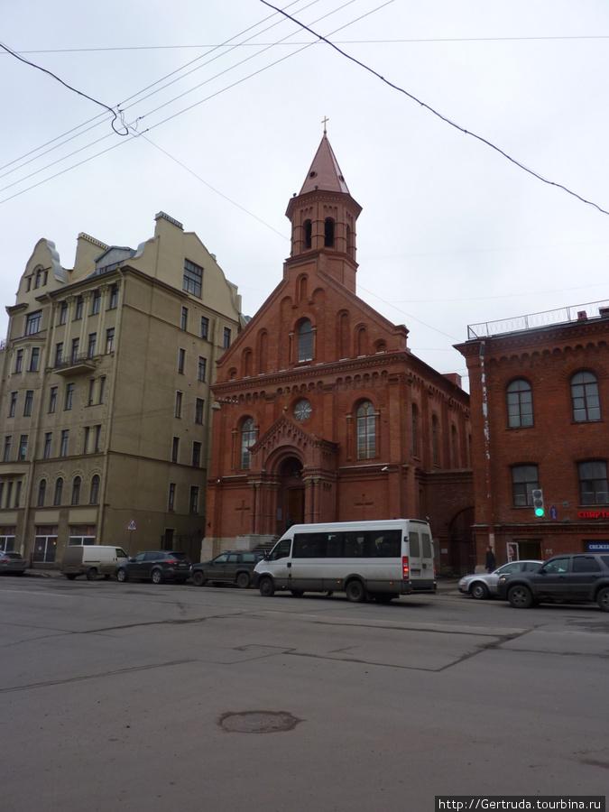Кирха Святого Иоанна — Яаана кирик.
