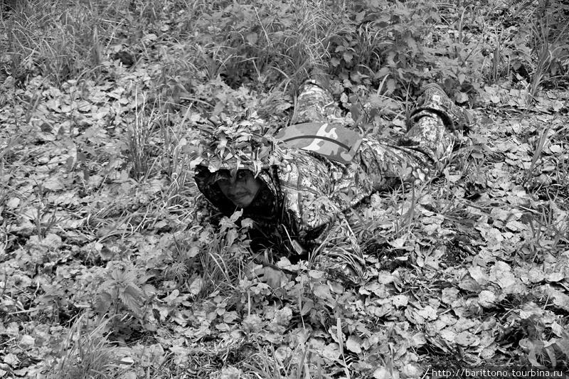Червь — зверь хитрый и камуфляжные костюмы помогают оставаться незамеченными на фоне окружающего ландшафта.