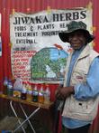 Это лекари, продающие традиционные средства от всех болезней