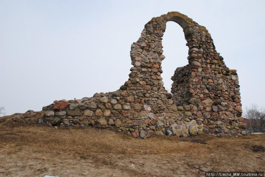 Развалины замка Резекне