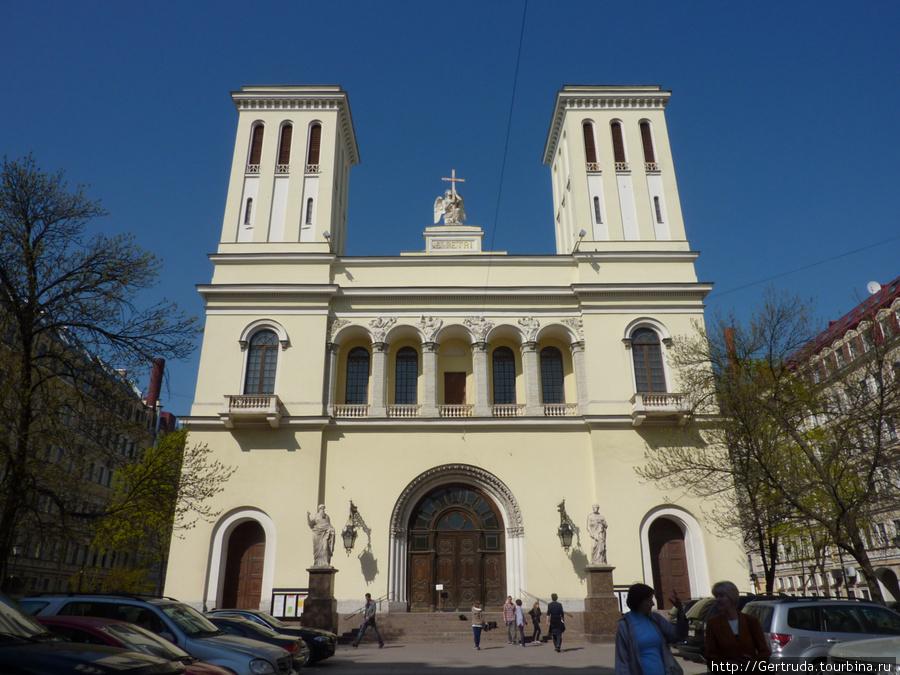 Лютеранская церковь Святого Петра — Петрикирхе.