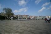 Площадь на набережной, октуда мы снимали яхты.