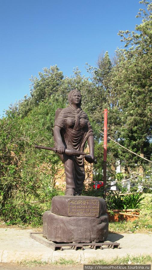 Памятник защитницам Отече