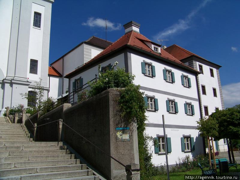 Лестница от Мариенплац к монастырю
