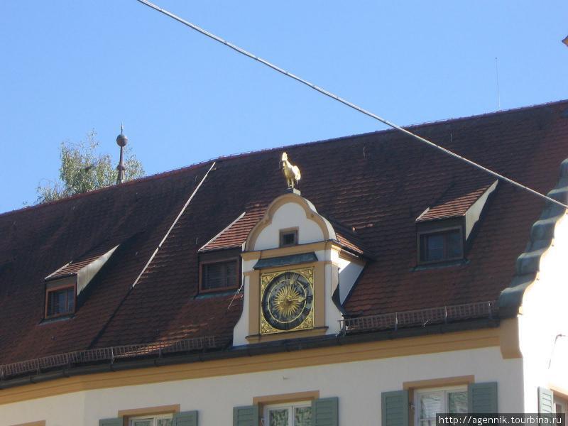 Золотой петушок на старом ратхаузе