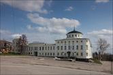 Недавно отреставрированный дом Алянчикова на центральной площади сейчас занимает музей.  Надеюсь все чудесные строения этого города так же хорошо отреставрируют