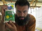 Во время моего визита, почему-то, в папуановогвинейских селениях сахар достиг цены 10-30 кина (110-350 рублей) за кило. Сладкая жизнь нынче в цене!