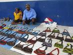 уличная торговля сумками