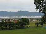 В городе Лаэ живёт 80 тыс чел, размазанных по пригородам