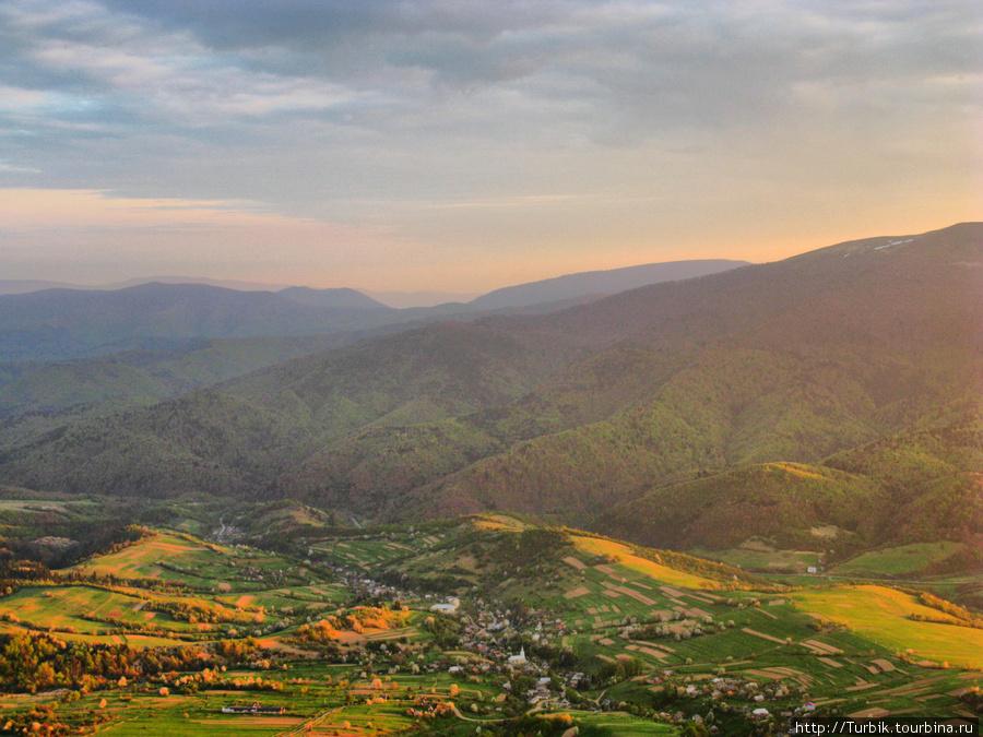 село Буковец у подножья г