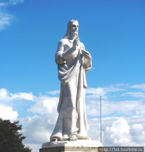 Гаванский Христос воздвигнут в 1958 году. Высота 24 метра