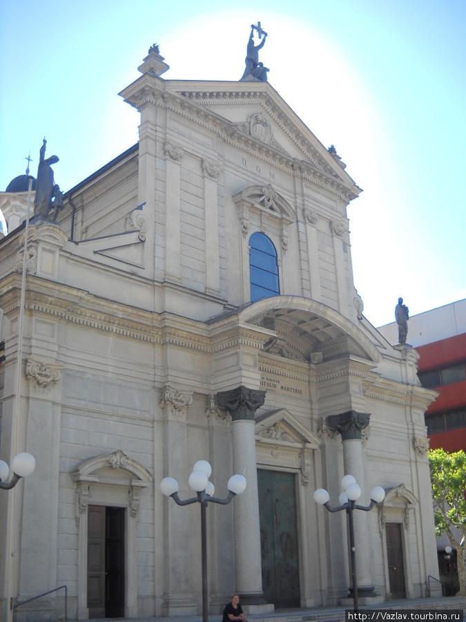 Церковный фасад