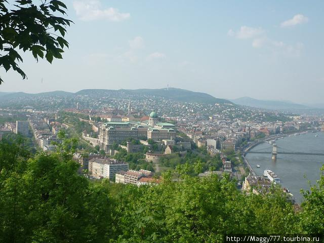 Вид на город с горы Геллерт
