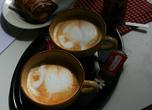 В бывшем переулке ремесленников можно не только приобрести оригинальный сувенир на память, но и отдохнуть в одном из кафе-ресторанов за чашкой кофе с шоколадкой или кружкой отличного немецкого пива.