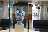 В здании порта образцы керамики Савоны. Здесь мастера используют в основном синий цвет.
