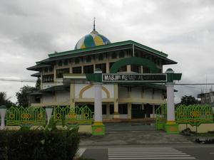 В Тимике есть и церкви, и мечети