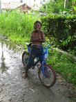 Примерно 40% жителей Тимики — коренные папуасы