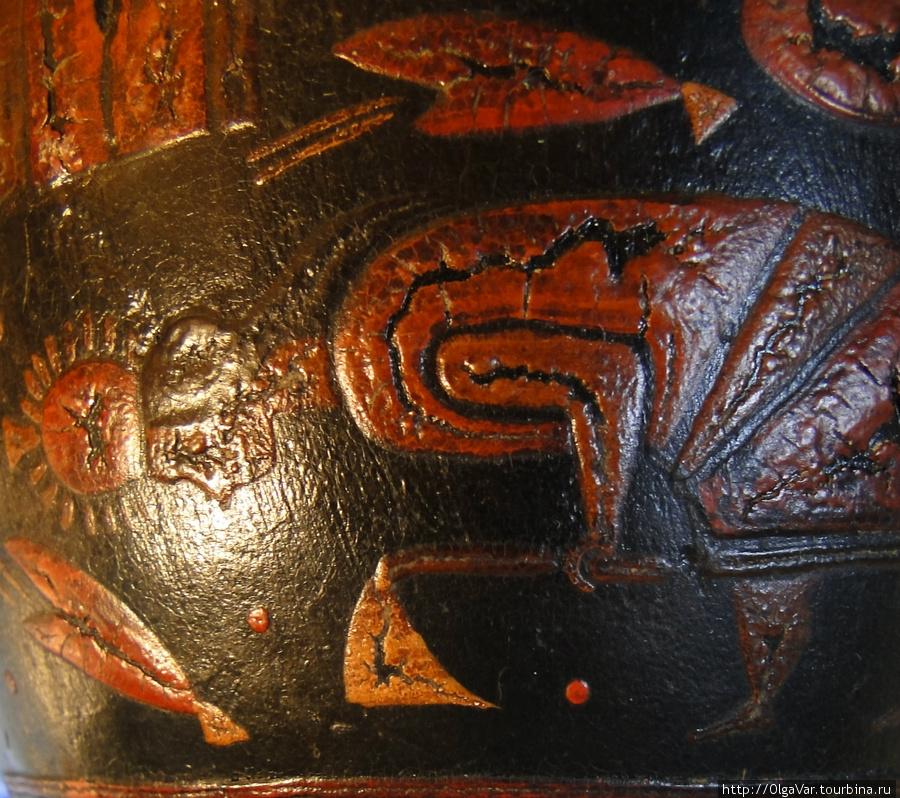 Индеец с тяпкой. В левом нижнем углу — зерна, которые во времена инков высаживали на террасы