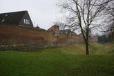 Фортификационные укрепления По периметру город окружал ров с водой шириной 12 м.